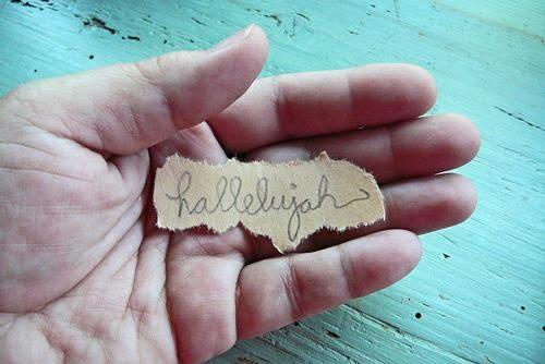 hallelujah-in-hand